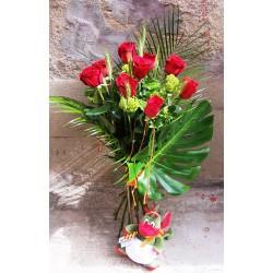 """12 Rosas de Sant Jordi tallo extra con """"Drac bebé"""""""