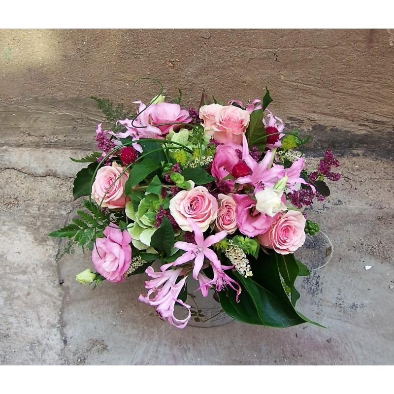 Arreglo de flores con base Nora