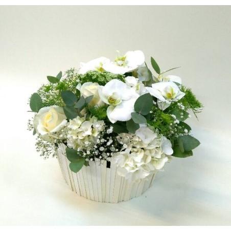 Arreglo de flores con base decorativa Dulzura