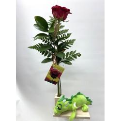 Rosa de Sant Jordi con dragón de peluche verde